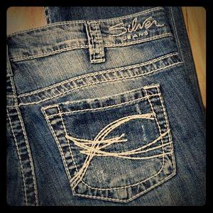Silver Jean Tuesday Capri Low Rise Light Wash Jean